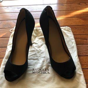 Badgley Mischka black pumps